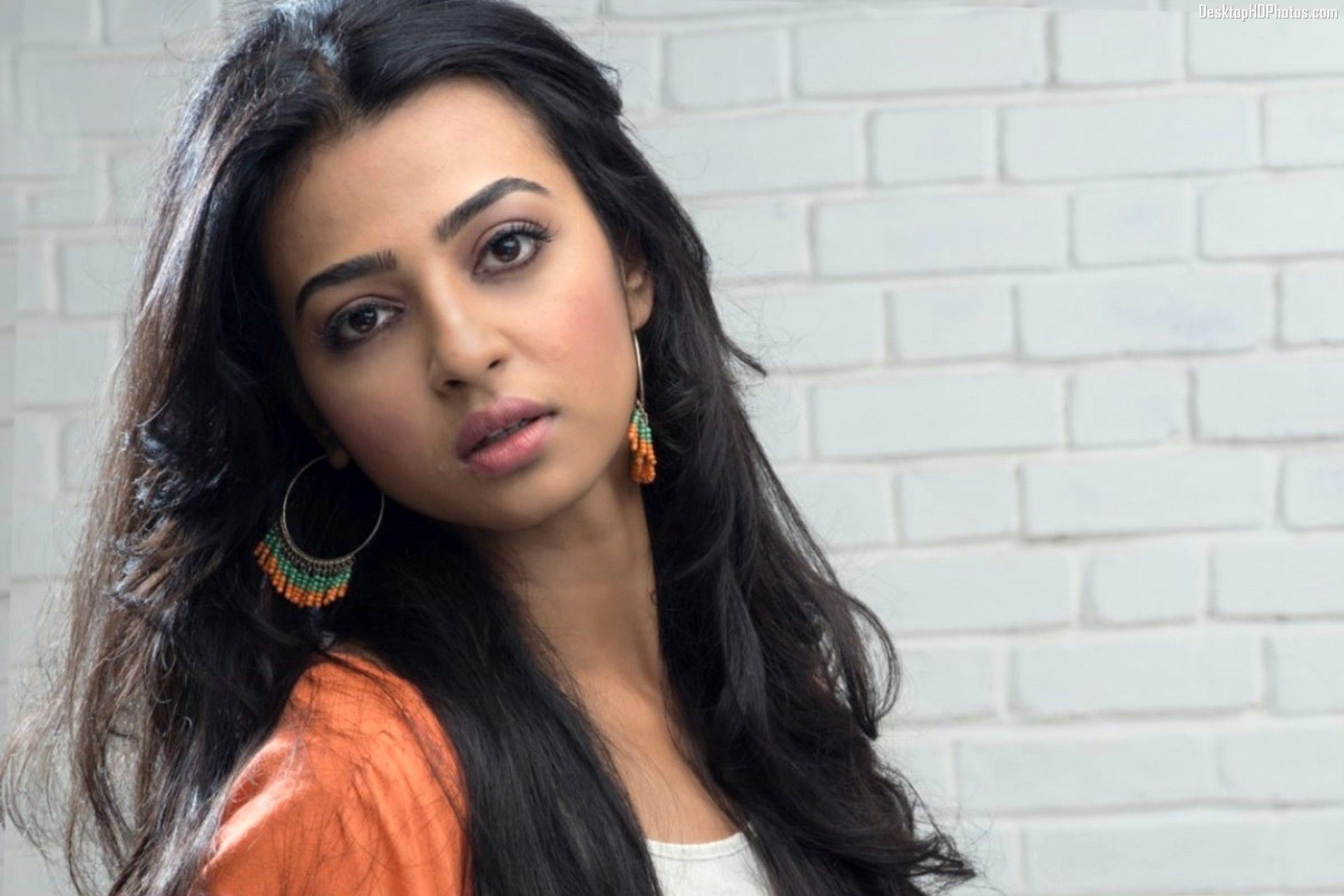 Beautiful-Radhika-Apte-Image-Stills