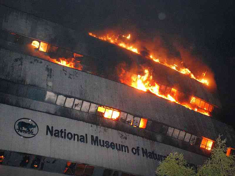 The National Museum of Natural History is seen engulfed in fire at Mandi house on April 26, 2016 in New Delhi. (Sipa via AP Images)