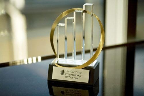 One-Africa-Media's-Justin-Clarke-wins-EY-World-Entrepreneur-Award_4138_news