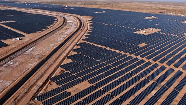 charanka-solar-park-gujarat-620x350