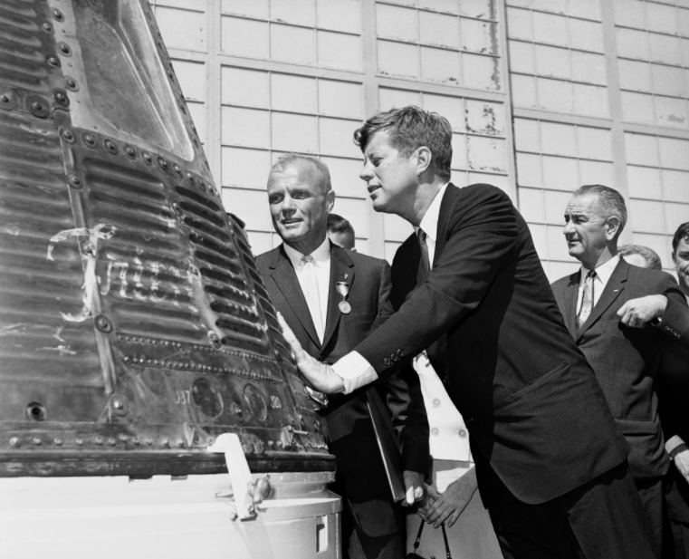 Glenn and President John F. Kennedy inspected the capsule that Glenn rode into orbit.
